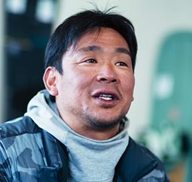 平野英功コーチ